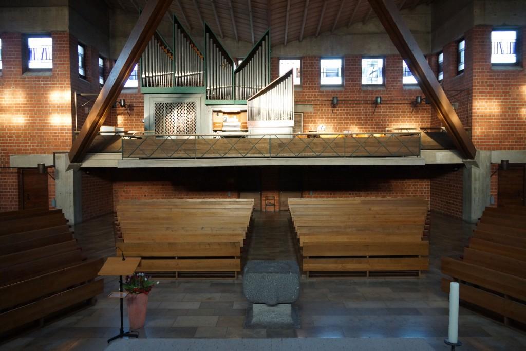Blick auf die Orgel von der Kanzel